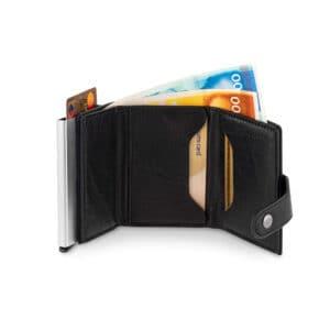 ארנק click  – שילוב לחצן כרטיס אשראי וארנק קלאסי