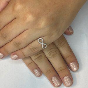 טבעת כסף S925 חלקה  אינסוף משובץ