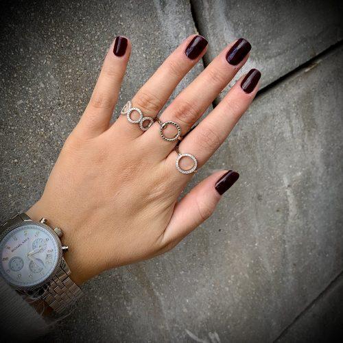 טבעת כסף מעגלים משובצת באבני זירקון