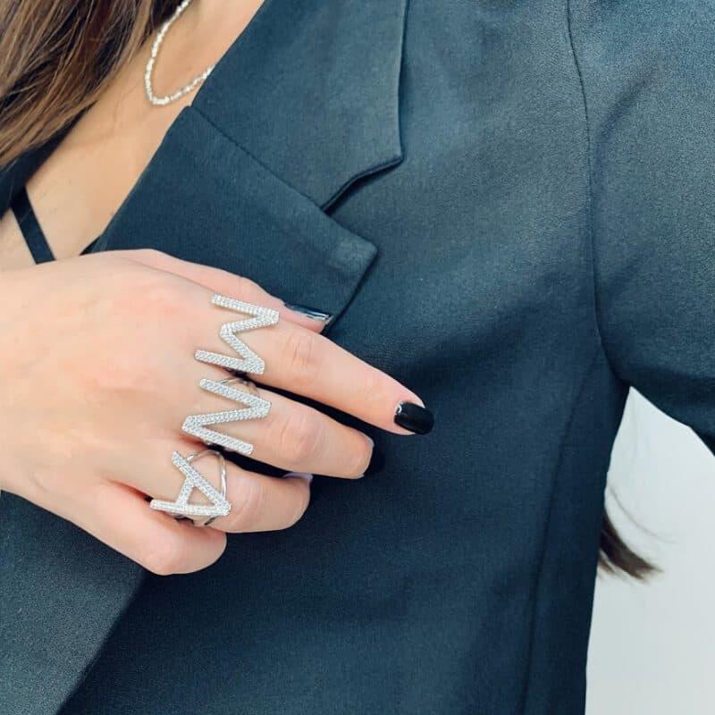 טבעת כסף אות גדולה