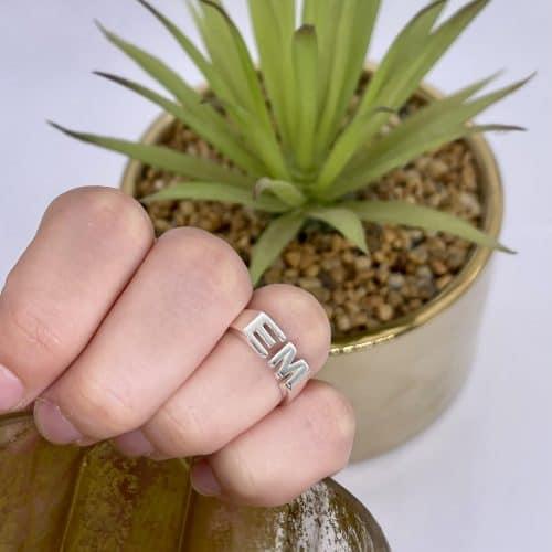 טבעת כסף 925 אותיות סמול טווין