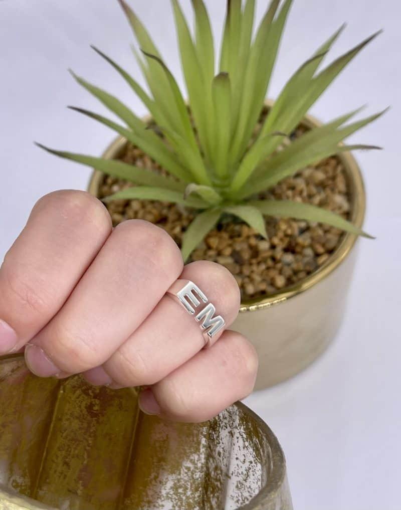 טבעת כסף 925 אותיות סמול טווין 2 scaled